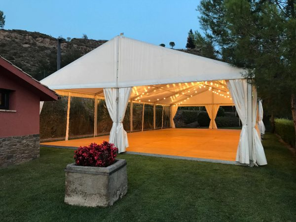 Top Tent location Chapiteau marriage